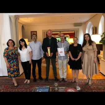 La noi, oamenii saraci se simt bogati  - interviu cu Simon SUITNER, director general al Asociatiei SOMARO, <span style='background:#EDF514'>MAGAZINUL</span> Social