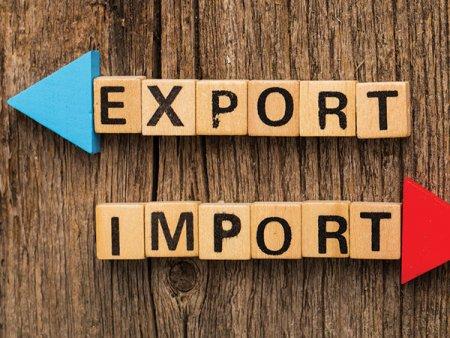 <span style='background:#EDF514'>DEFICITUL COMERCIAL</span> a crescut cu 2,8 mld. euro in primele sapte luni ale anului, pana la 12,8 mld. euro. Romania a exportat bunuri in valoare de 42,5 mld. euro, plus 24,5% an/an si a importat bunuri de 55,3 mld. euro, plus 25,4% an/an