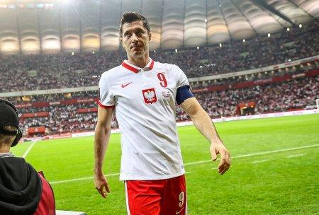 Gest superb facut de Lewandowski! Cum a reactionat cand fanii polonezi au <span style='background:#EDF514'>HUIDU</span>it nationala Angliei