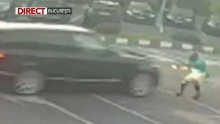Angajatul unei spalatorii auto, calcat cu masina de un client nemultumit, in Capitala: L-a luat in plin!