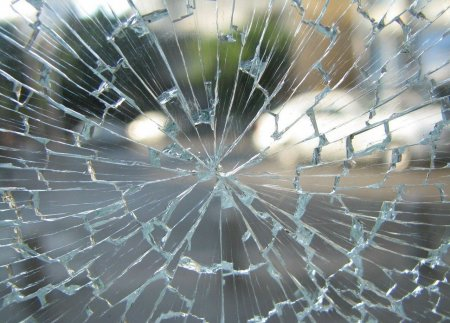 Accident grav in Bihor. Un autobuz s-a <span style='background:#EDF514'>RASTURNAT</span>: 23 de victime