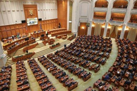 Scandal urias in Parlamentul Romaniei! Au venit <span style='background:#EDF514'>CHESTORI</span>i si l-au luat pe sus: Nu ti-e rusine, ba, mafiotule