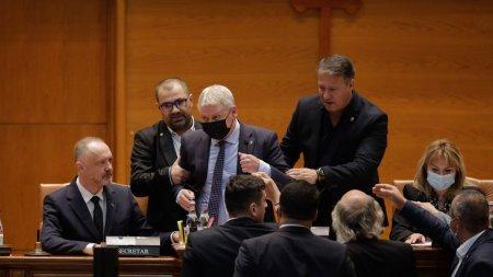 Scandal total in sala de plen a Parlamentului. George Simion (AUR) a transmis totul live