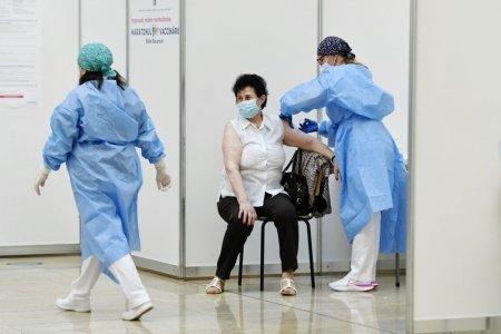 EMA: Statele Uniunii Europene pot incepe, daca doresc, administrarea celei de-a treia doze de vaccin anti-COVID-19