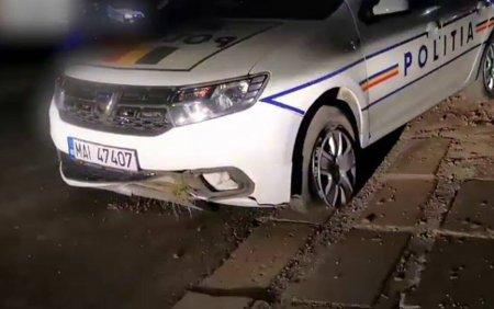 Urmarire ca în filme în Sibiu. Un sofer fara permis a făcut accident, iar masina politiei a lovit o bordură