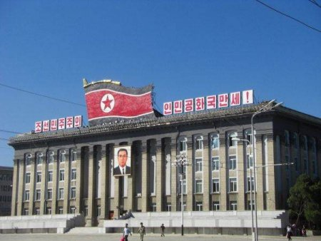 Coreea de Nord marcheaza 73 de la infintarea sa printr-o parada fara rachete