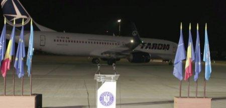 O parte din cetatenii afgani evacuati din Afganistan in urma demersurile MAE, au ajuns azi in Romania