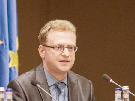 30 de ani de sistem bancar in Romania. Wilhelm Salater, directorul adjunct al Directiei de Studii Economice din BNR dezvaluie cum se fac studiile economice si rapoartele in BNR
