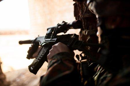 Incepe un nou razboi? Occidentul ar putea lansa atacuri militare impotriva Al Qaeda si a Statului Islamic