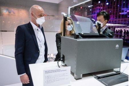 Huawei debuteaza la IAA Mobility 2021 cu solutia de afisaj cu realitate augmentata AR-HUD