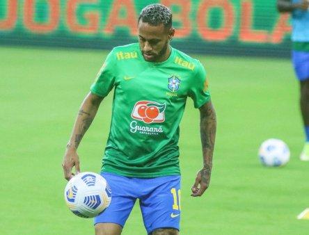 Neymar a rabufnit la nationala Braziliei! Cine l-a enervat si reactia <span style='background:#EDF514'>RAFAEL</span>lei, sora superstarului