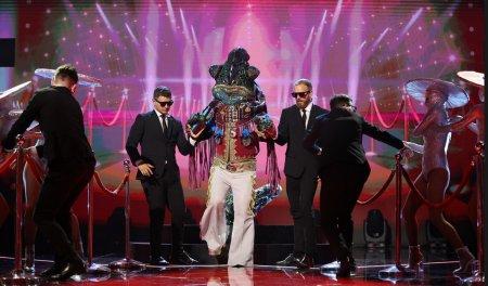 Cine este Came<span style='background:#EDF514'>LEON</span>ul de la Masked Singer Romania? sezonul 2. O sa va dau multe batai de cap