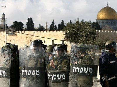 Incident de securitate in Ierusalim. Un militant <span style='background:#EDF514'>PALESTINIAN</span> a incercat sa comita un atac