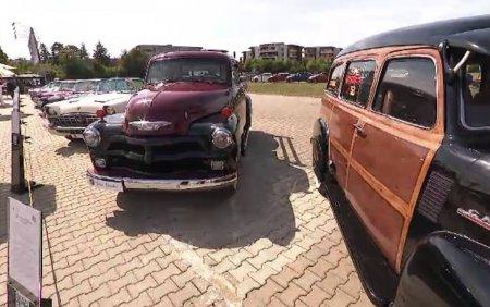 Ion Țiriac si-a expus ultimele 40 de automobile de <span style='background:#EDF514'>EPOCA</span> din colectie. Reconditionarea a durat chiar si patru ani