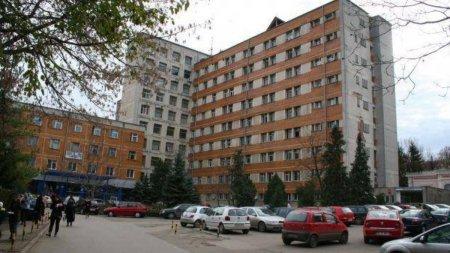 Probleme grave descoperite la Spitalul Judetean Botosani, dupa un control. Pacientii erau conectati la aparate de oxigen in apropierea lumanarilor si brichetelor