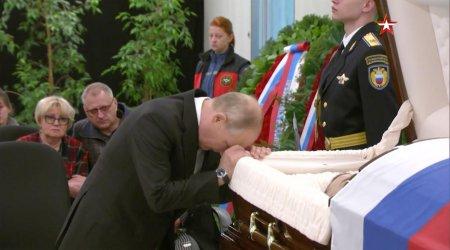 Vladimir Putin si-a manifestat tristetea la capataiul unui bun prieten, mort din intamplare
