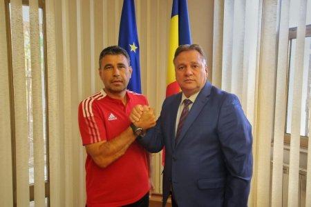 D-ale fotbalului romanesc » Au anuntat un nou antrenor cu o zi inaintea meciului