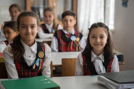 Ministerul Educatiei: Creste nivelul burselor scolare