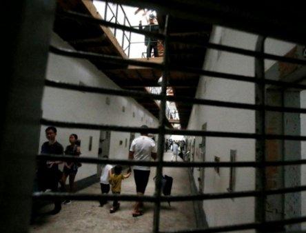 Trupele speciale israeliene au mai prins 2 din cei 6 palestinieni evadati spectaculos din inchisoarea de inalta securitate: Numai 2 mai sunt <span style='background:#EDF514'>LIBERI</span>