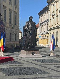 Presedintele Iohannis a dezvelit statuia Baronului Brukenthal din centrul Sibiului