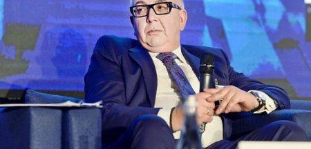 Fostul director <span style='background:#EDF514'>ROMGAZ</span> cere reinstalarea in functie sau o plata compensatorie de 220.000 de euro. Ce salariu avea