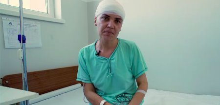 Declaratiile emotionante ale unei femeicare a avut o tumora cerebrala de 5 centimetri: Am avut <span style='background:#EDF514'>DURERI DE CA</span>p si nu am stiut de la ce sunt VIDEO