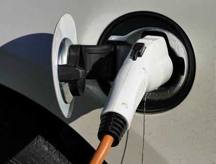 Taxa de drum pentru vehiculele electrice. Ce tara ar putea sa o impuna