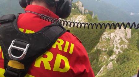 Salvamontist despre salvarea alpinistului ranit in Bucegi: Pilotii vin cu precizie elvetiana. Ne troliaza colegii in punct fix, facandu-mi pielea de gaina