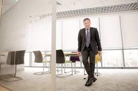Cum arata sfarsitul de saptamana perfect pentru Gyula Fatér, CEO al OTP Bank Romania: Cand vine vorba de timp liber, vreau sa simt ca si cum inot in cele mai limpezi ape, in ritmul meu. Las lucrurile sa se intample, sa vina natural. Nu vreau sa controlez timpul liber
