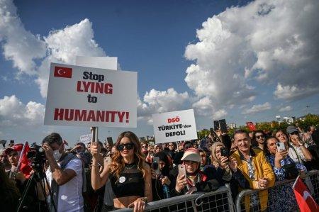 Noi proteste cu zeci de mii de participanti in Franta, Austria si Turcia impotriva pasaportului sanitar