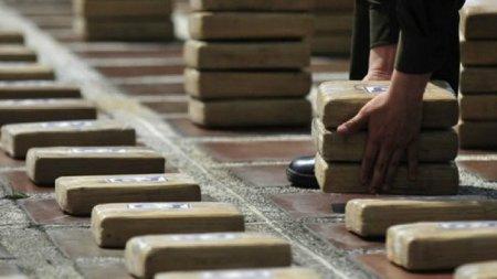 Peste doua tone de cocaina, confiscate pe un iaht de lux (FOTO)