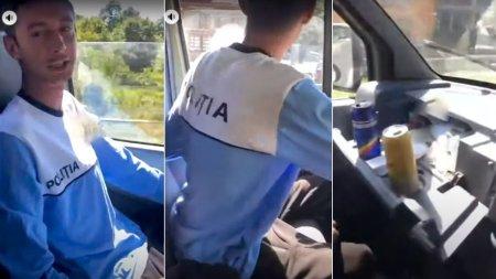 Tanar filmat purtand ilegal <span style='background:#EDF514'>UNIFORMA</span> Politiei, la volanul unei autoutilitare: Nu ma opreste nimeni