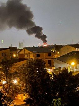 Incendiu PUTERNIC in Capitala. Serie de explozii VIDEO