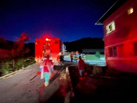 FOTO - Incendiu la Spitalul de Psihiatrie Vulcan: 150 de pacienti evacuati