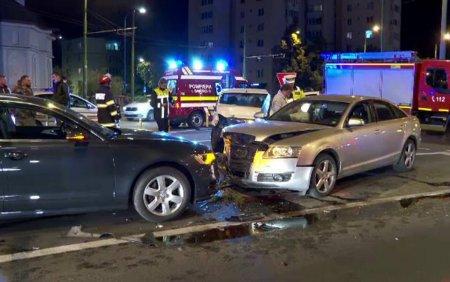 Ca<span style='background:#EDF514'>RAMBO</span>l in Brasov. Un autoturism a sarit peste un sens giratoriu si a lovit alte trei masini