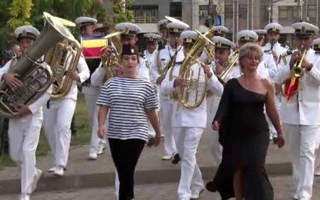 Festivalul National de Fanfare, la <span style='background:#EDF514'>GALATI</span>. Valurile Dunarii este valsul emblematic al regiunii