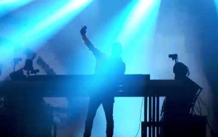 David Guetta a venit mai devreme la Untold. Tinerii au dansat pana in zori