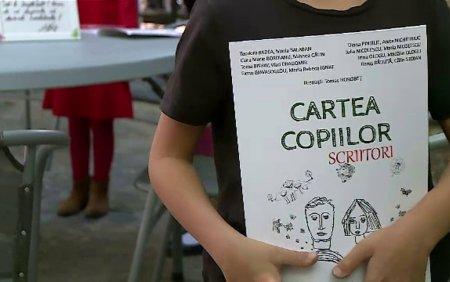 17 copii, cu varste intre 5 si 12 ani, care nu s-au intalnit niciodata, au scris si au ilustrat o carte de povesti
