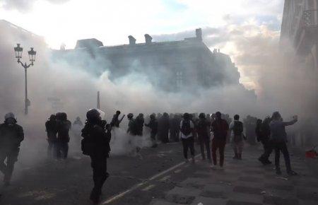 Manifestatii anti-Covid: S-au infuriat si <span style='background:#EDF514'>TURCII</span>