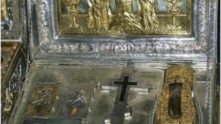 Veste uriasa pentru credinciosii ortodocsi: Mana Stanga a Sfintei Maria Magdalena este adusa in Romania de la Athos