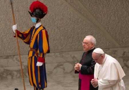 Garzile Elvetiene de la Vatican ar putea fi deservite si de femei. Potentialul de recrutare va creste