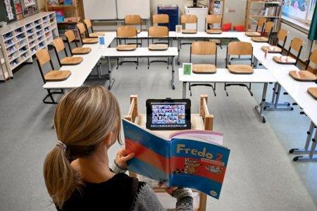 25 de scoli din Bucuresti incep in sistem online, chiar daca incidenta este sub 6