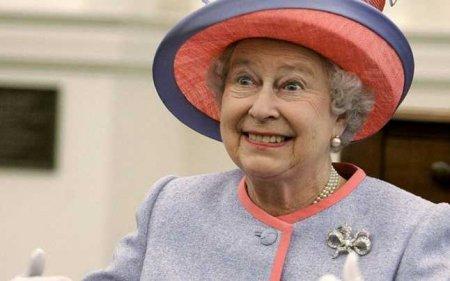 Emma Raducanu, felicitata de familia regala britanica. Ce mesaj i-a transmis Regina <span style='background:#EDF514'>ELIS</span>abeta