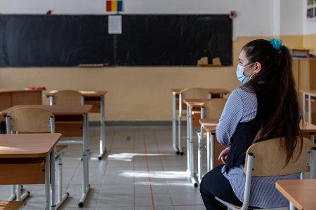 Ce asteptari au elevii de la sate. 1 din 5 copii vrea rechizite, mancare si bani pentru transportul spre scoala