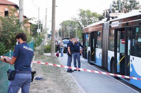 Atac cu cutitul in Italia. Cinci persoane ranite, dintre care un copil de sase ani se afla in stare grava