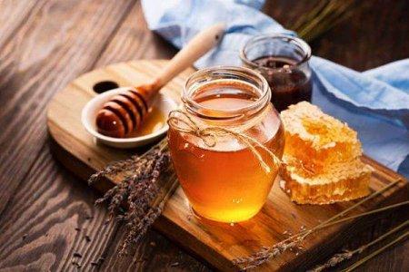 Romania importa aproape 35% din consumul intern de miere