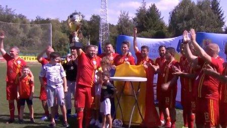 PNL si PSD, umar la umar la meciul de fotbal cu parlamentarii din Polonia. <span style='background:#EDF514'>DEPUTATII</span> romani au luat medalia de aur
