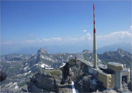 Experiment in Alpii Elvetieni: O echipa de cercetarori incearca sa controleze fulgerele cu un laser gigant