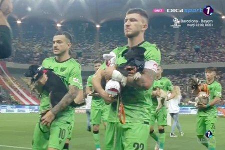 FCSB a refuzat <span style='background:#EDF514'>CAINI</span>i! Momente ciudate la Derby de Romania