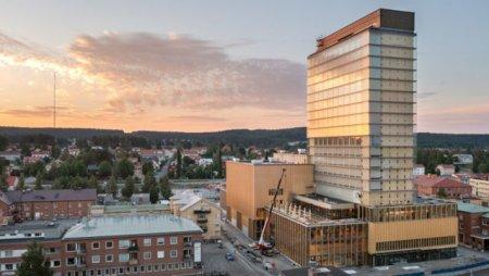 Suedia. Sara Kulturhus, cel mai inalt zgarie-nori din lemn din lume: 80 de metri si 20 de etaje